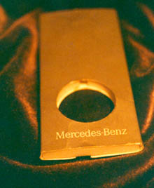 Mercedes Keyring Box: Artifact o-1
